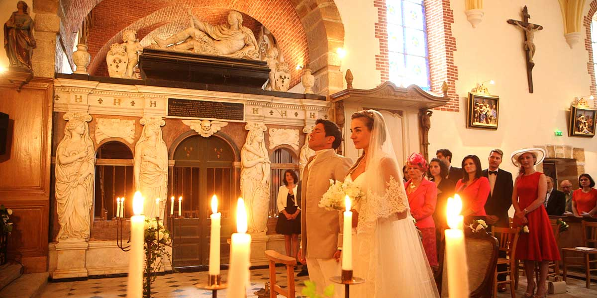marriage at Vallery, one hour from Paris