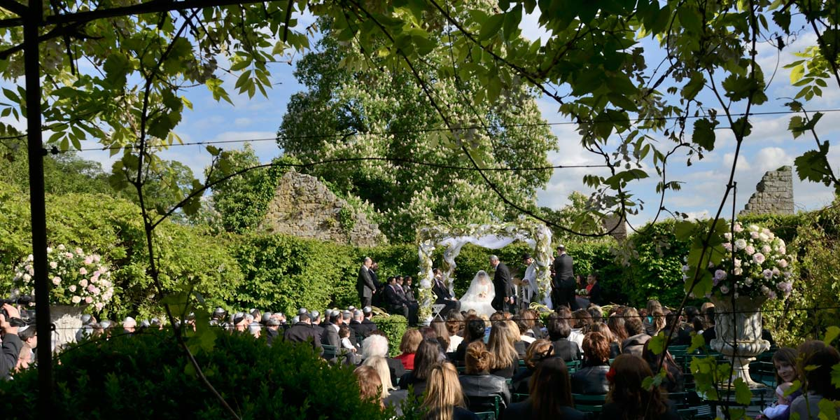 best places to get married: chuppah for a wedding reception at the chateau, 1 hour from Paris