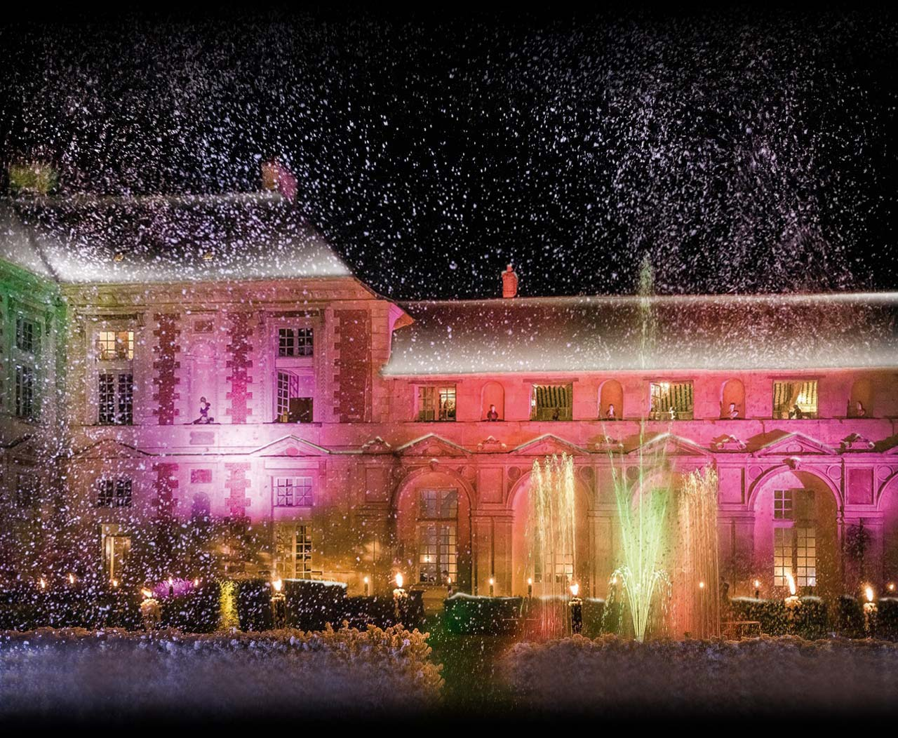 snow over your wedding at the chateau this winter