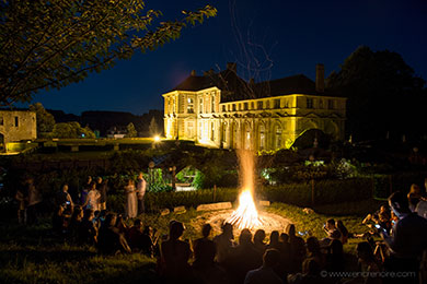 bonfire for a wedding in front of the chateau