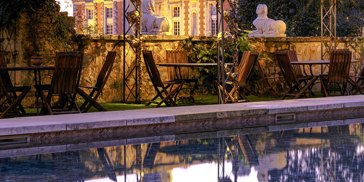 the swimming pool and the Renaissance chateau