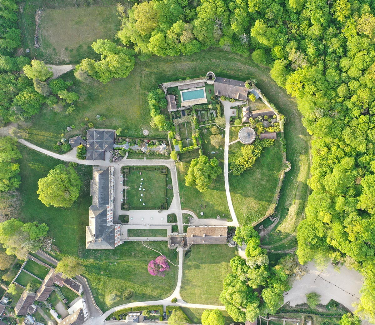 aerial view of Château de Vallery